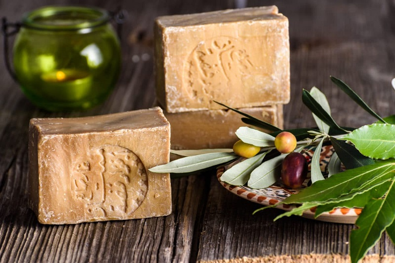 Aleppo soap, properties and benefits of an immortal recipe